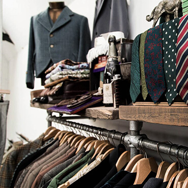 clothing_makers.html